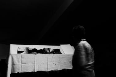 'tenendo per mano l'ombra' - libro d'arte di maria lai - foto di federica zhou